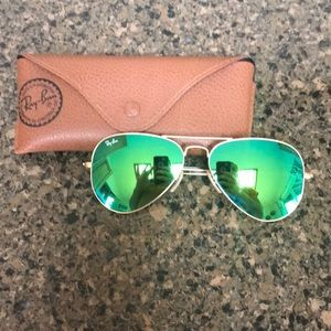 Green flash lenses aviators ! By ray ban
